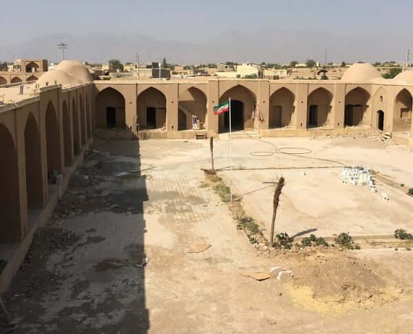 Fortin du village de Saryazd