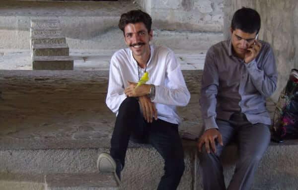 Jeunes sous les ponts d'Ispahan