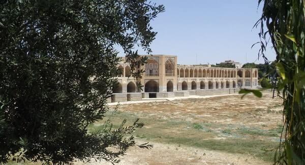 Rivière d'Ispahan à sec