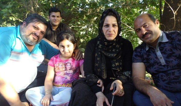 Meeting with a family in Abyaneh – invitation to Picnic